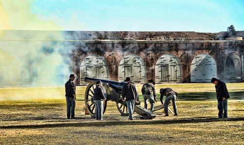 Fort Oglethorpe (GA) United States Picture : Firing the canon, Ft. Pulaski, Cockspur Island,Ga.