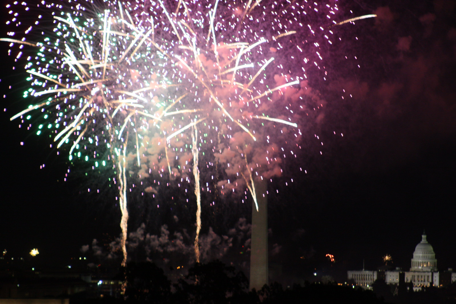 Fort Myer Fireworks III