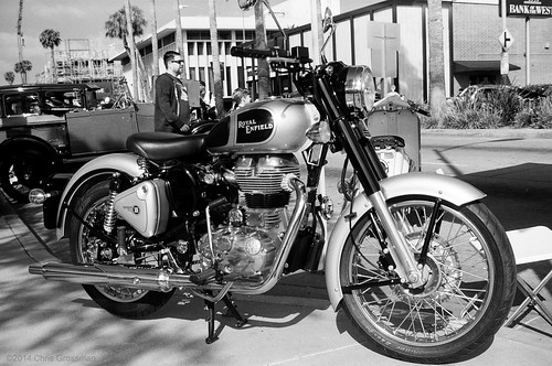 Royal Enfield Classic 500 Motorcycle - Olympus Wide-S (Wide Super) - TMAX 100