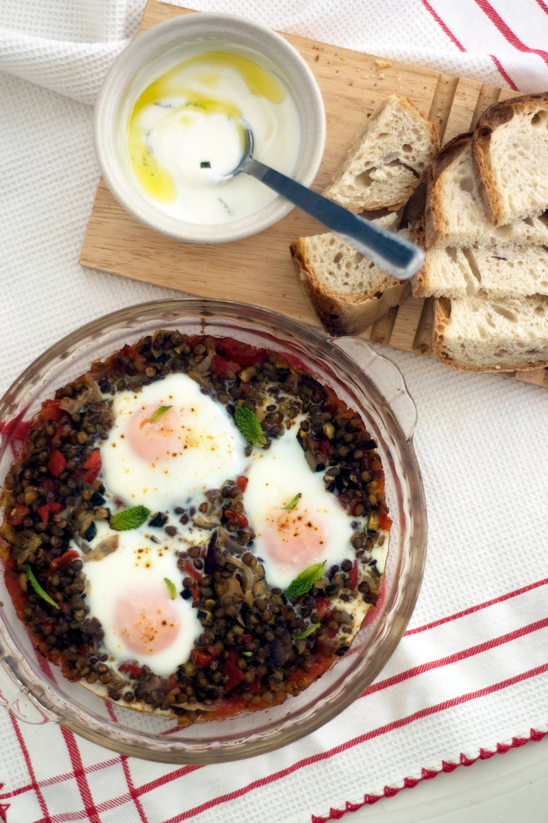 Lentilhas com ovos picantes