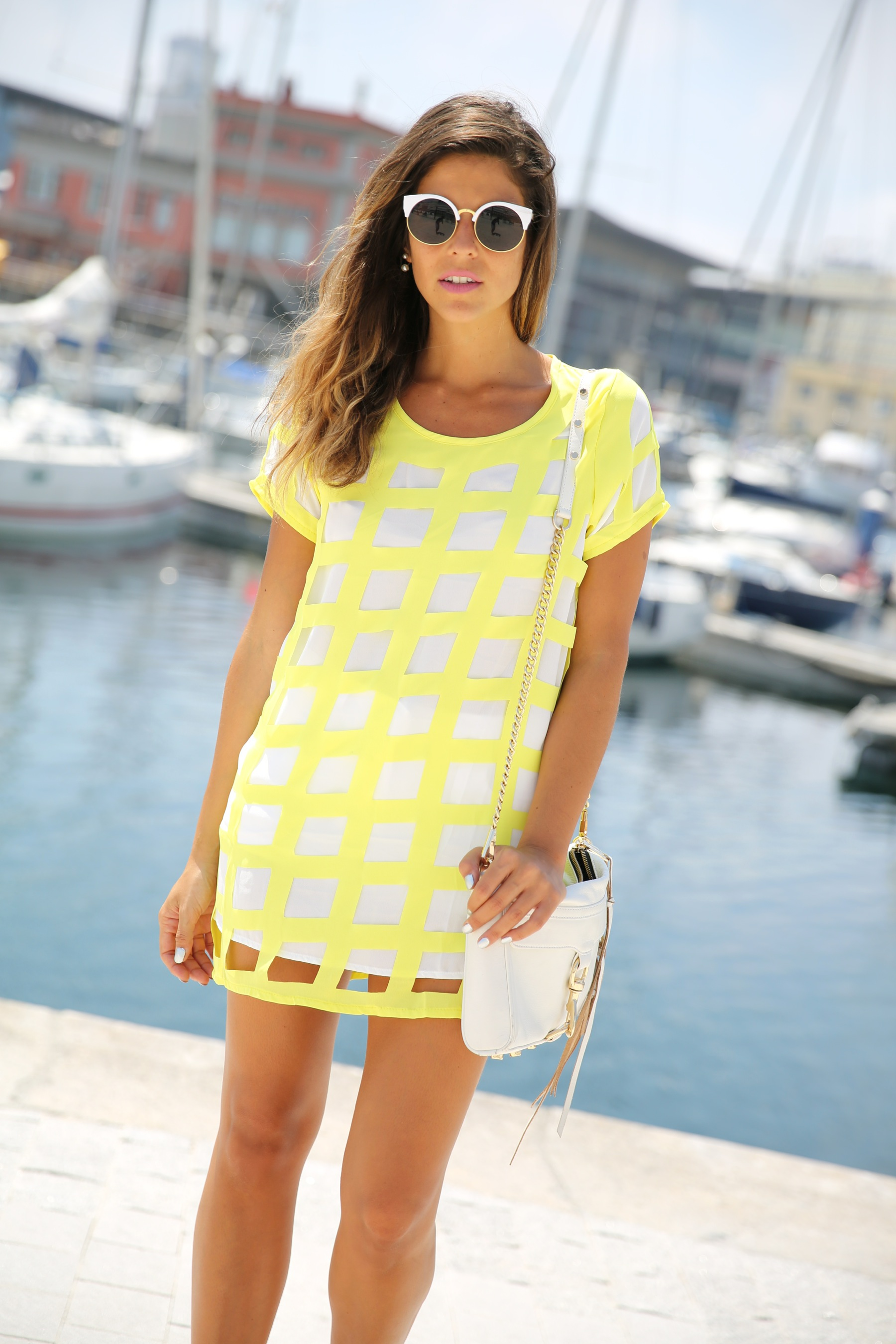 trendy_taste-look-outfit-street_style-ootd-blog-blogger-moda_españa-fashion_spain-coruña-galicia-sandalias_plataforma-platform_sandals-rebecca_minkoff-yellow-amarillo-vestido-dress-plaid-cuadros-5
