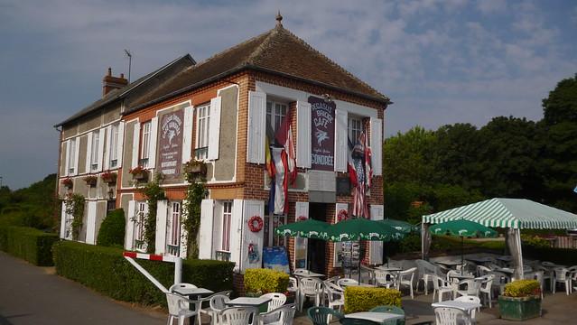 P1150777 Café Gondrée, Bénouville
