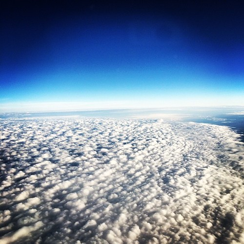 Pretty clouds somewhere between Toronto and Chicago. #kategoestocalifornia #summer #vacation #chicago #layover