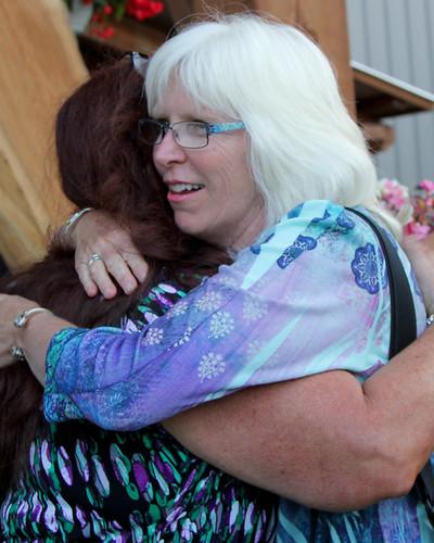 Synette, Donna - hug