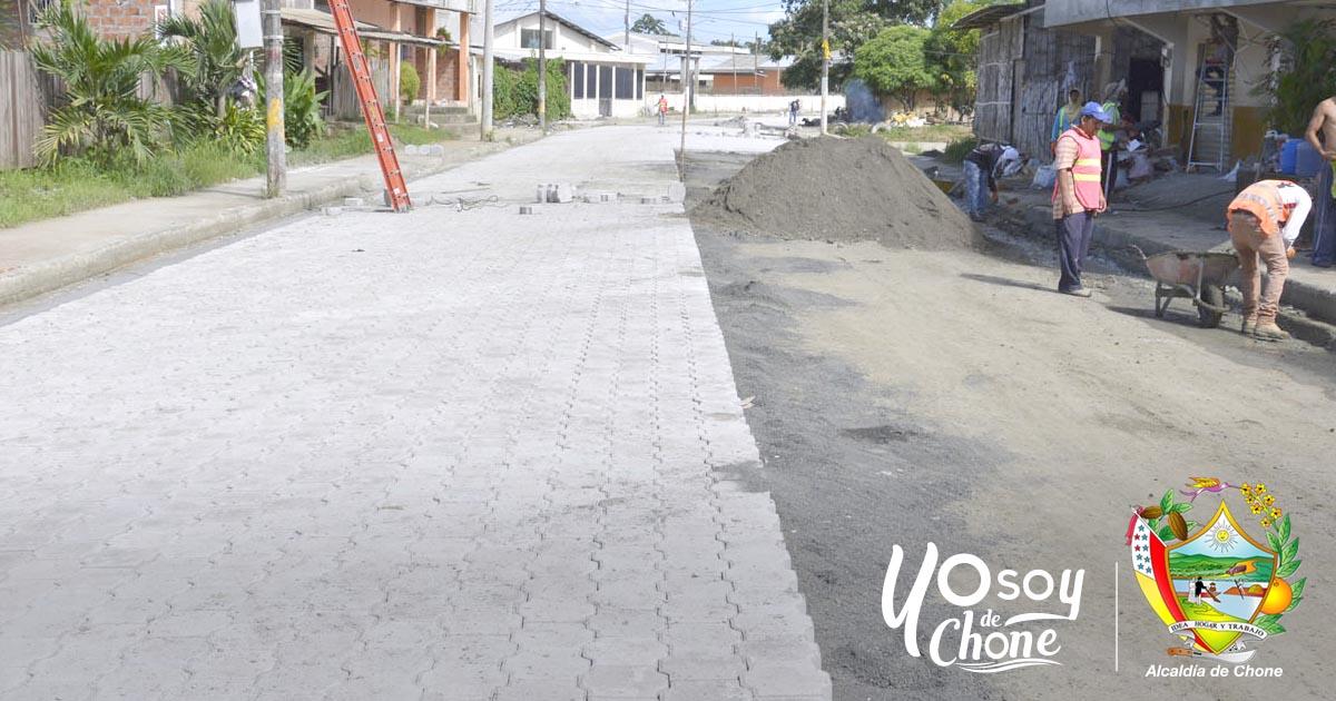 Se multiplica el trabajo de adoquinado en calles de Chone