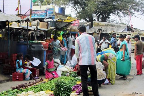Thiruporur market