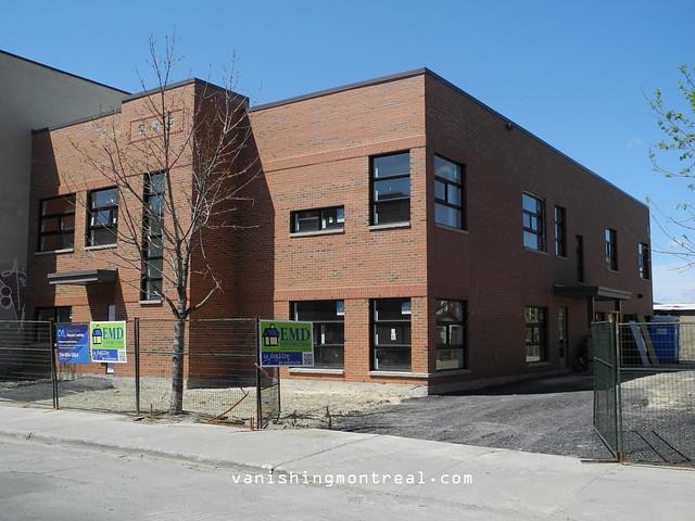 New building on De L'Eglise 2