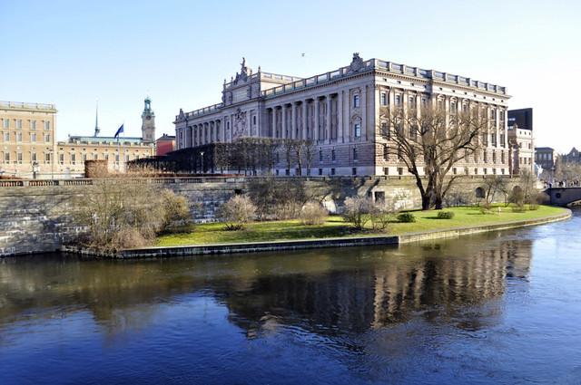 Palacio Real de Estocolmo qué hacer en estocolmo - 14036113670 fba2a643bb z - Qué hacer en Estocolmo para sentir Suecia