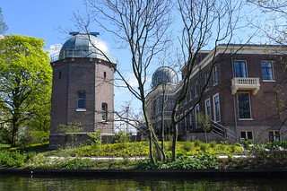 Leiden University Observatory - photo by Flickr User ChrissyJ