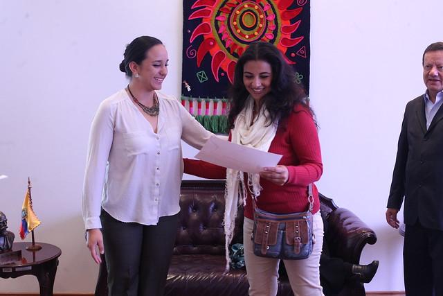 """Presidenta de la Asamblea Nacional, Gabriela Rivadeneira, recibe al Colectivo de Mujeres """"Desde la Mirada"""""""