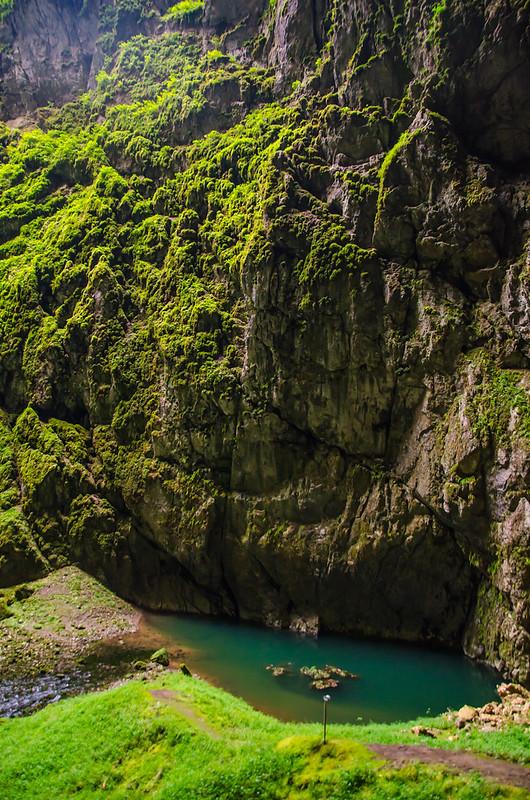 Озеро на дне пропасти Мацоха