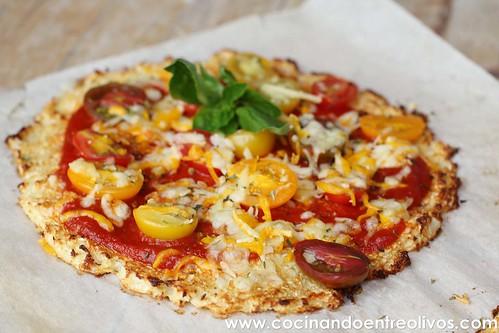 Pizza de coliflor www.cocinandoentreolivos (20)