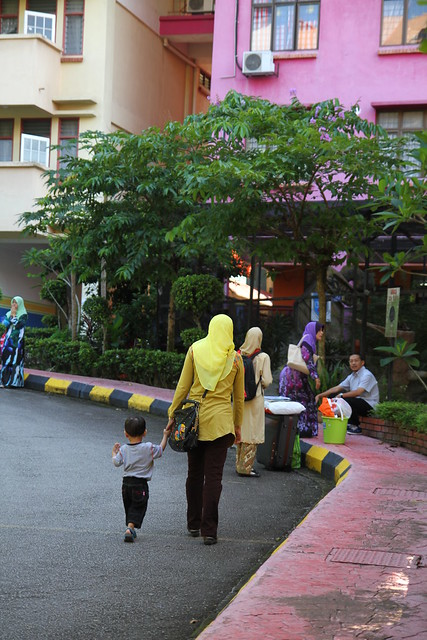 Walking the toddlerKolej Kediaman Raja Dr. Nazrin Shah. Kolej 12