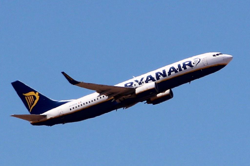 EI-DYW - B738 - Ryanair