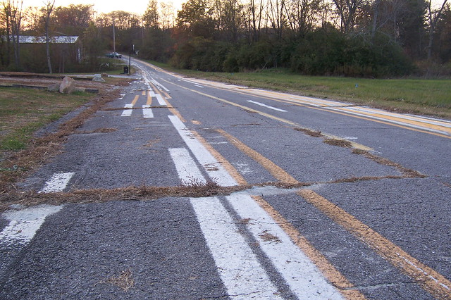 Drunken road striping