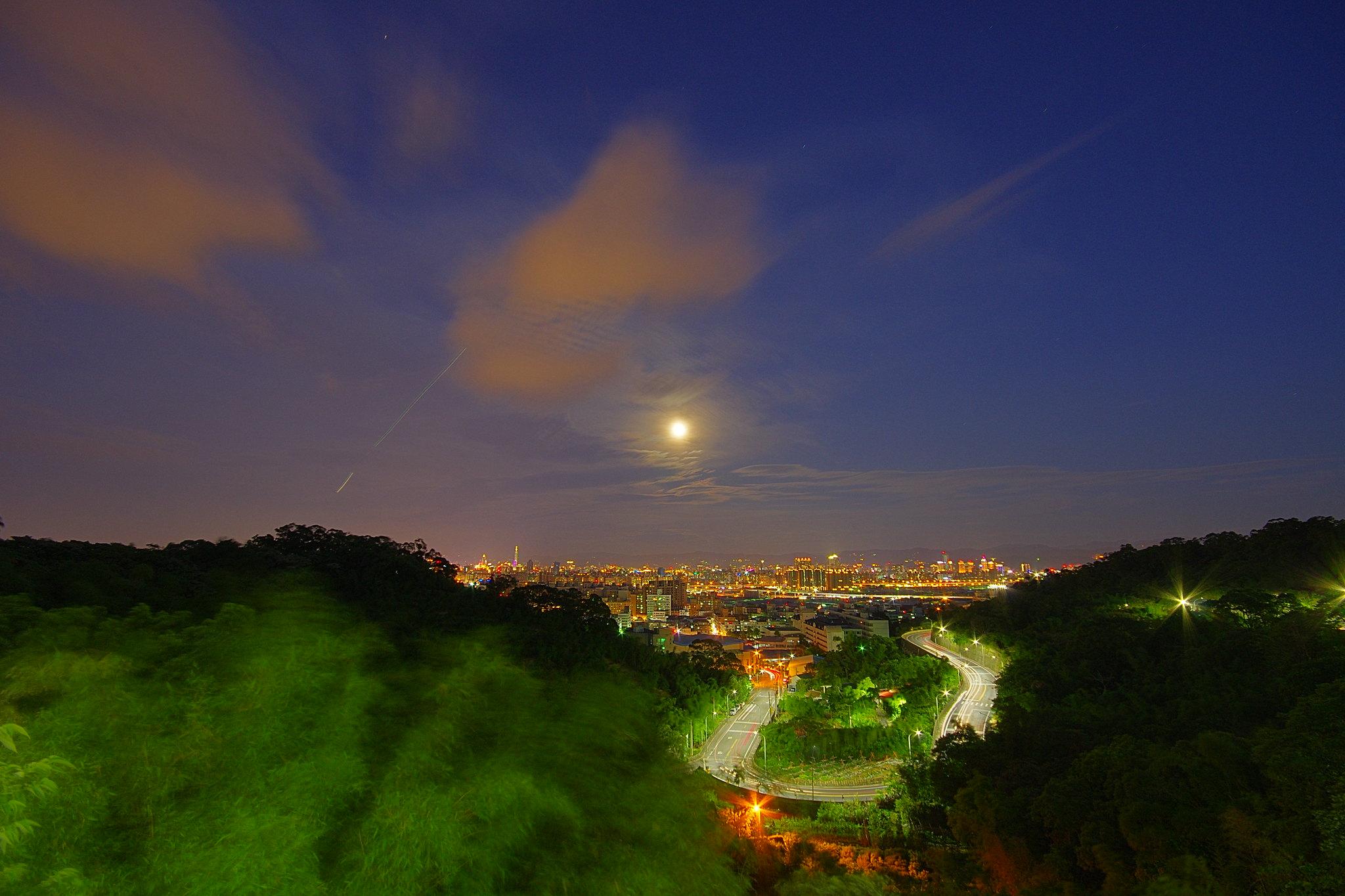 泰山.月.夜