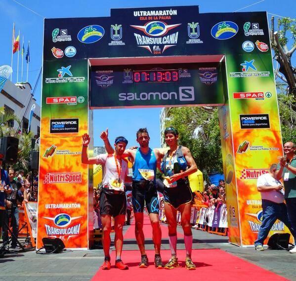 Οι νικητές το αγώνα. Από αριστερά Kilian, Luis Alberto Hernando, Sage Canaday © iRunFar