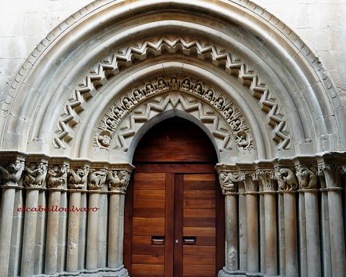 323 - Portada - Iglesia San Cornelio y San Cipriano - Revilla de Santullán (Palencia) - Spain.