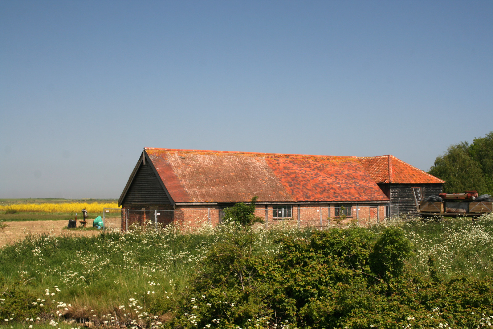 Derelict barn on Foulness Island