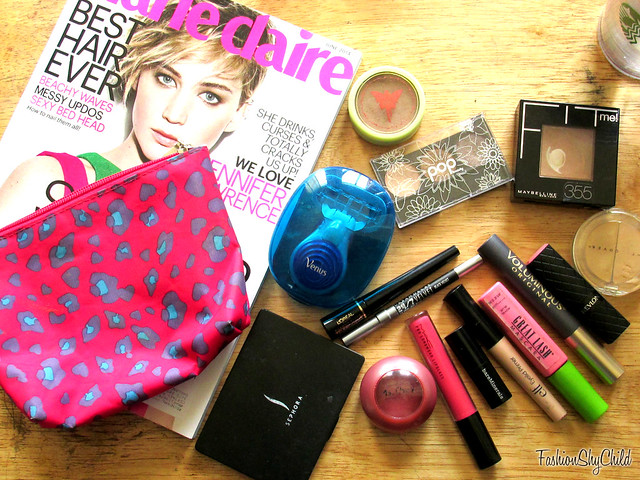 Whats in my Makeup Bag (Moving Edition)