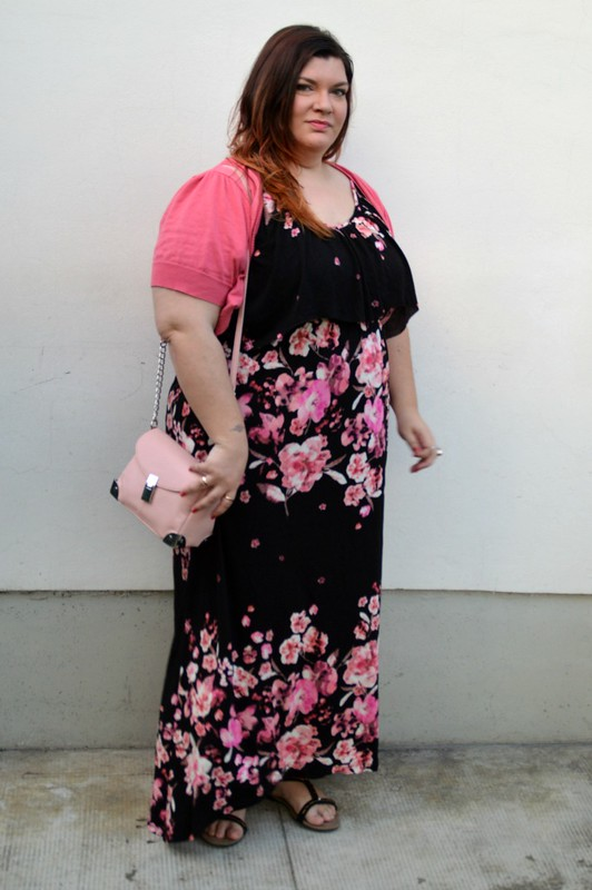 outfit rosa e floreale 6