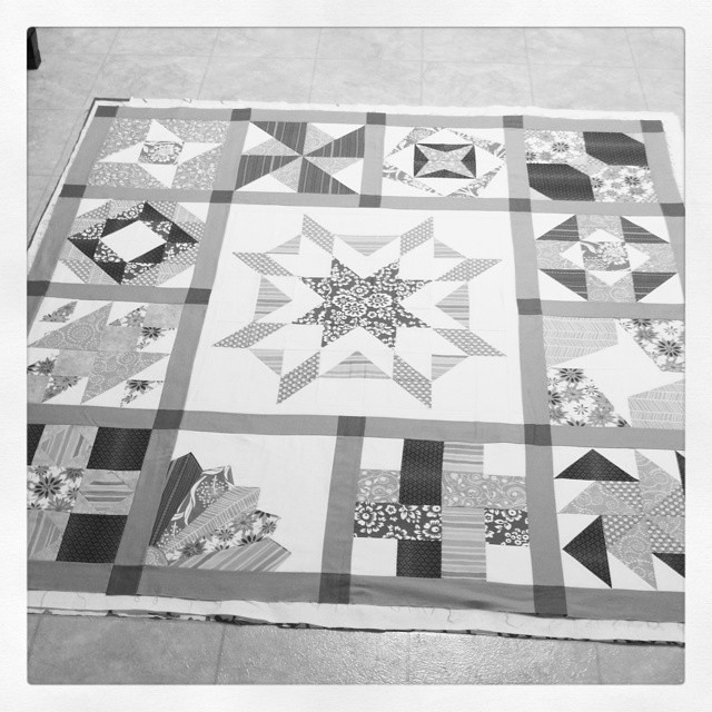 Why not baste a second quilt while its all clean. My Sew Happy Quilt along by Sew Happy Geek and @sewbittersweetdesigns.  Center block is a pattern/qal by @happyquiltingmc
