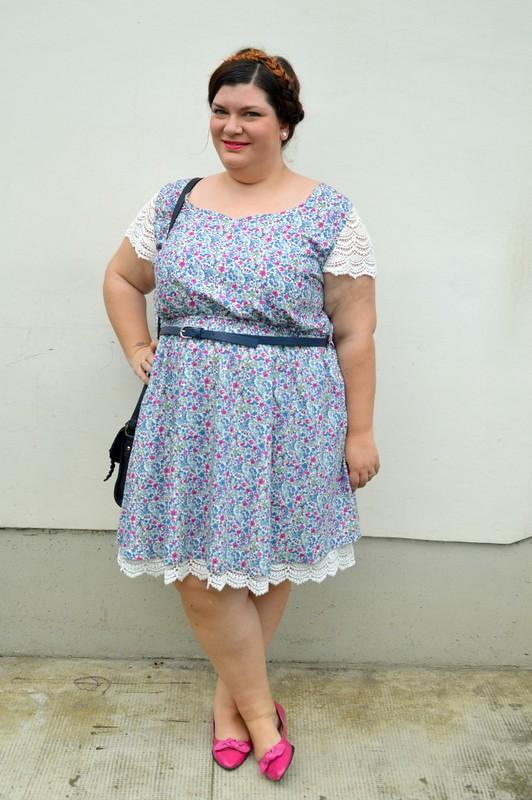 Outfit fiorellini, blu e fuxia (6)