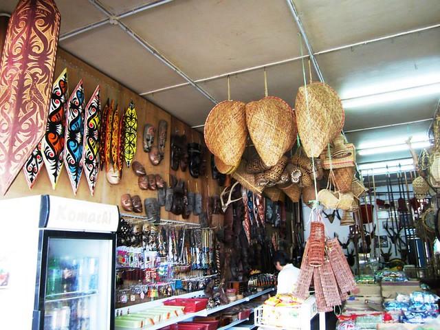 Lachau shop 1