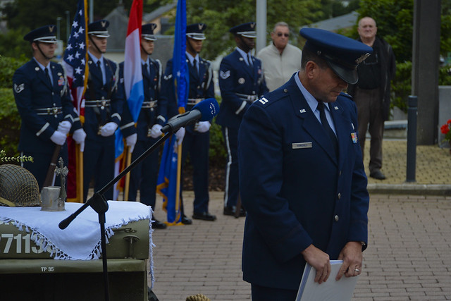 Requiem: Luxembourgers, U.S. honor 70th anniversary of B-17 crashes
