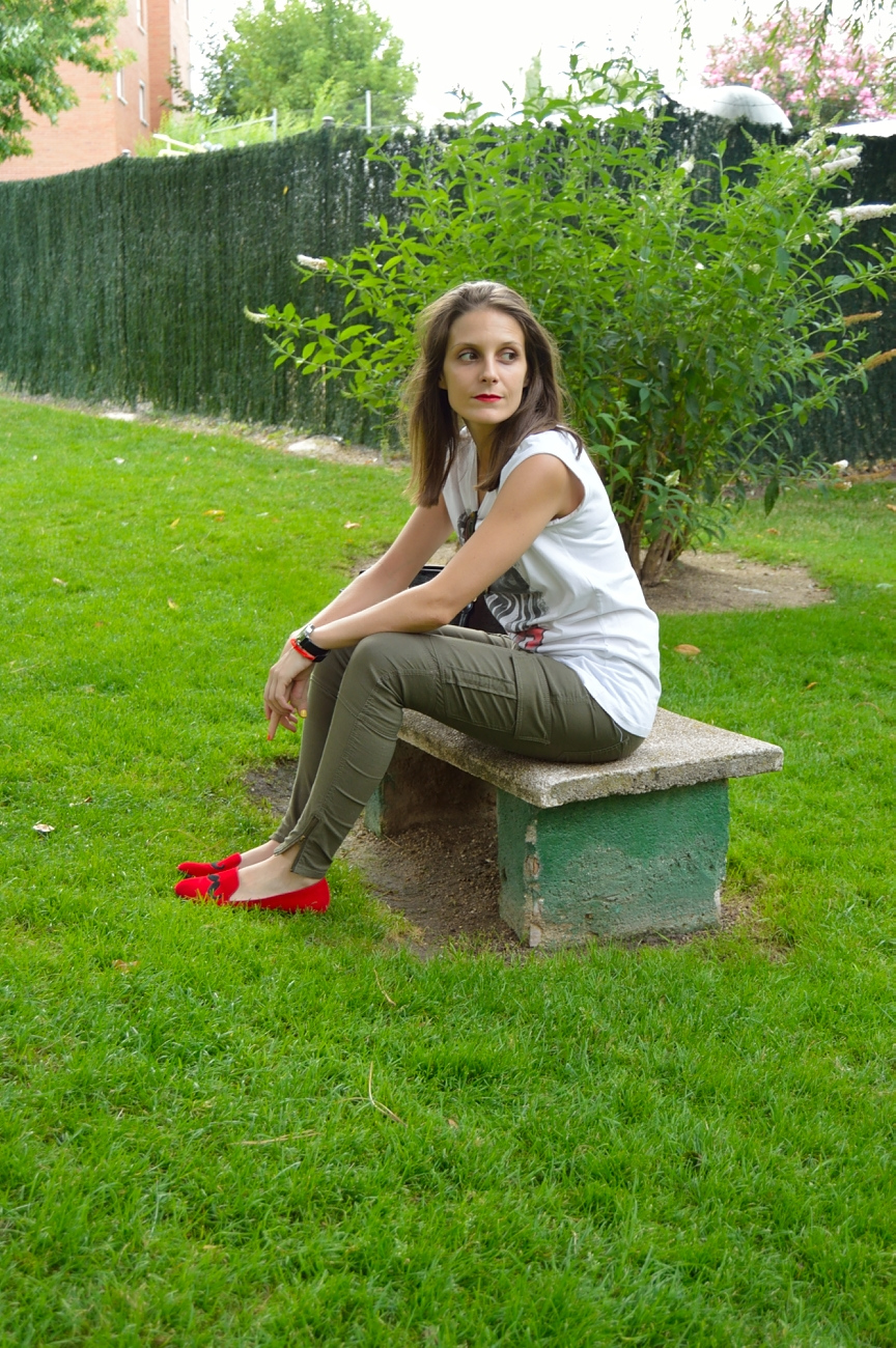 lara-vazquez-mad-lula-fashion-style-chic-red-lips