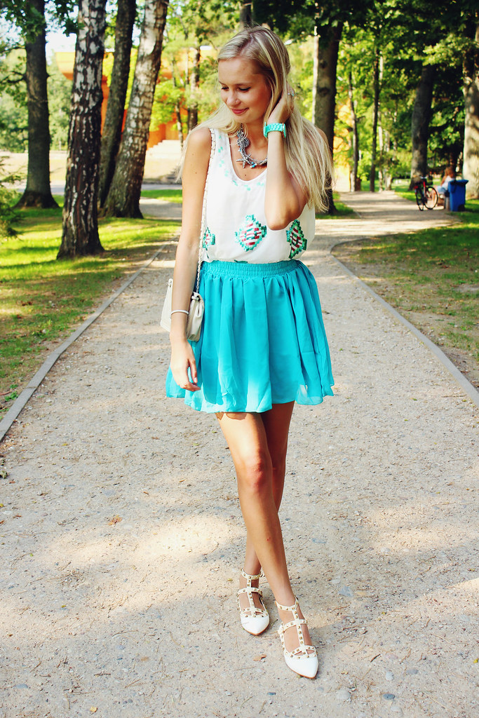 playful-outfit-for-a-hot-summer-day