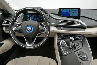 BMW-2014-i8-Int-02