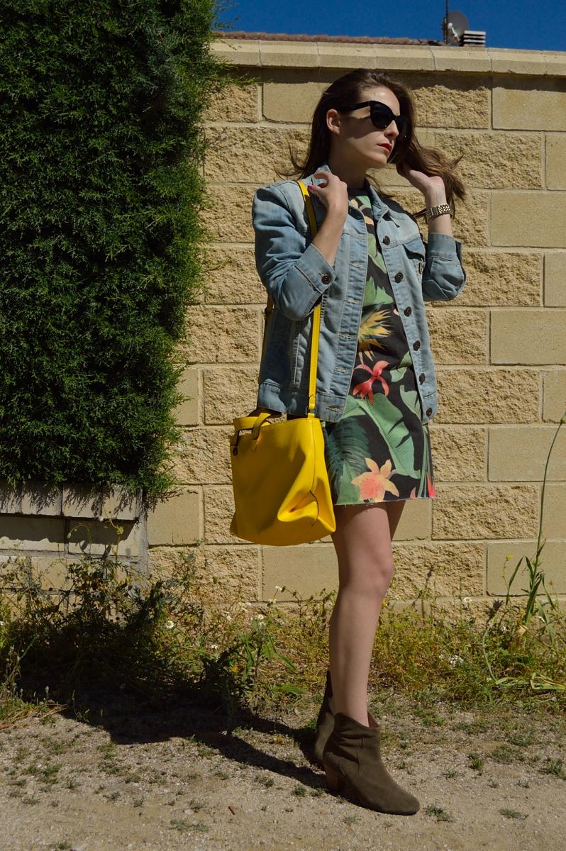 lara-vazquez-madlulablog-fashion-look-trends-denim-tropical
