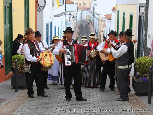 Traditional folk group, Dia de Canarias