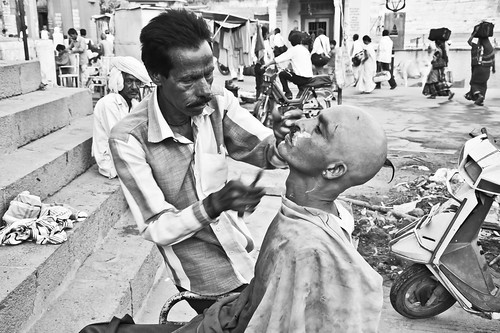 """Earlier we used to get 24x7 fresh drinking water from the Kshipra on the ghats (banks) but for the last three decades we are struggling to get water from the Gambhir river even from the Municipal corporation,"" says Rajju Bhairav, a 57 year-old barber working on the bank of Kshipra in Ramghat, Ujjain."