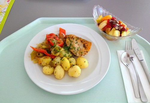 Provenzalische Hähnchenbrust mit Schmorgemüse & Zitronenkartoffeln /  Provençal chicken breast with roasted vegetables & lemon potatoes