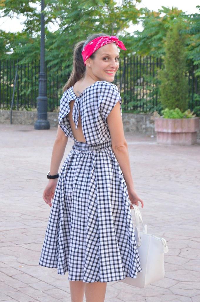 b82e8d7c64bd8 lara-vazquez-madlula-blog-style-fashion-pin-up-trends