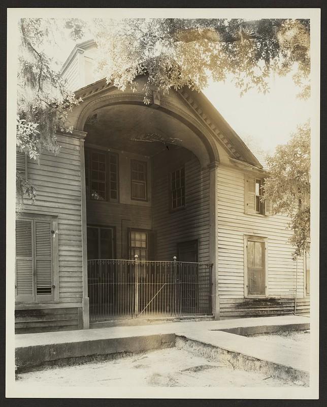Unidentified building, Natchez vic., Adams County, Mississippi (LOC)