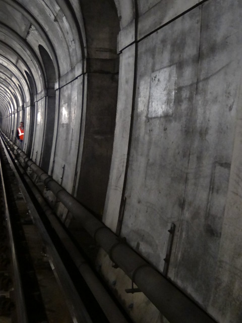 30 - Surprise in Thames Tunnel