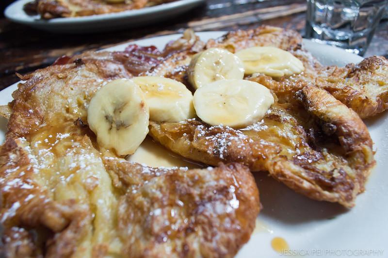 Rum banana pancakes