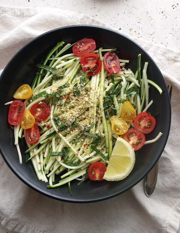 THE SIMPLE VEGANISTA: Simple Zucchini Pasta Salad