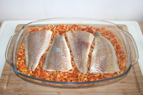 37 - Fisch auf Nudeln legen / Put fish on noodles