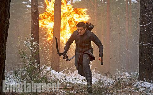 140717(1) - 英雄累了…「快銀」飆了!2015年電影《Avengers: Age Of Ultron》(復仇者聯盟2:奧創紀元)公開8張劇照&故事大意! 6