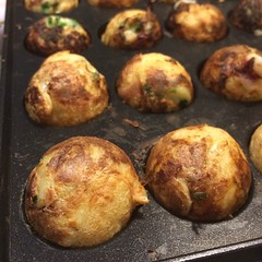 breakfast(0.0), arancini(0.0), meat(0.0), dessert(0.0), meatball(0.0), meal(1.0), vegetable(1.0), baked goods(1.0), produce(1.0), food(1.0), dish(1.0), cuisine(1.0), takoyaki(1.0),
