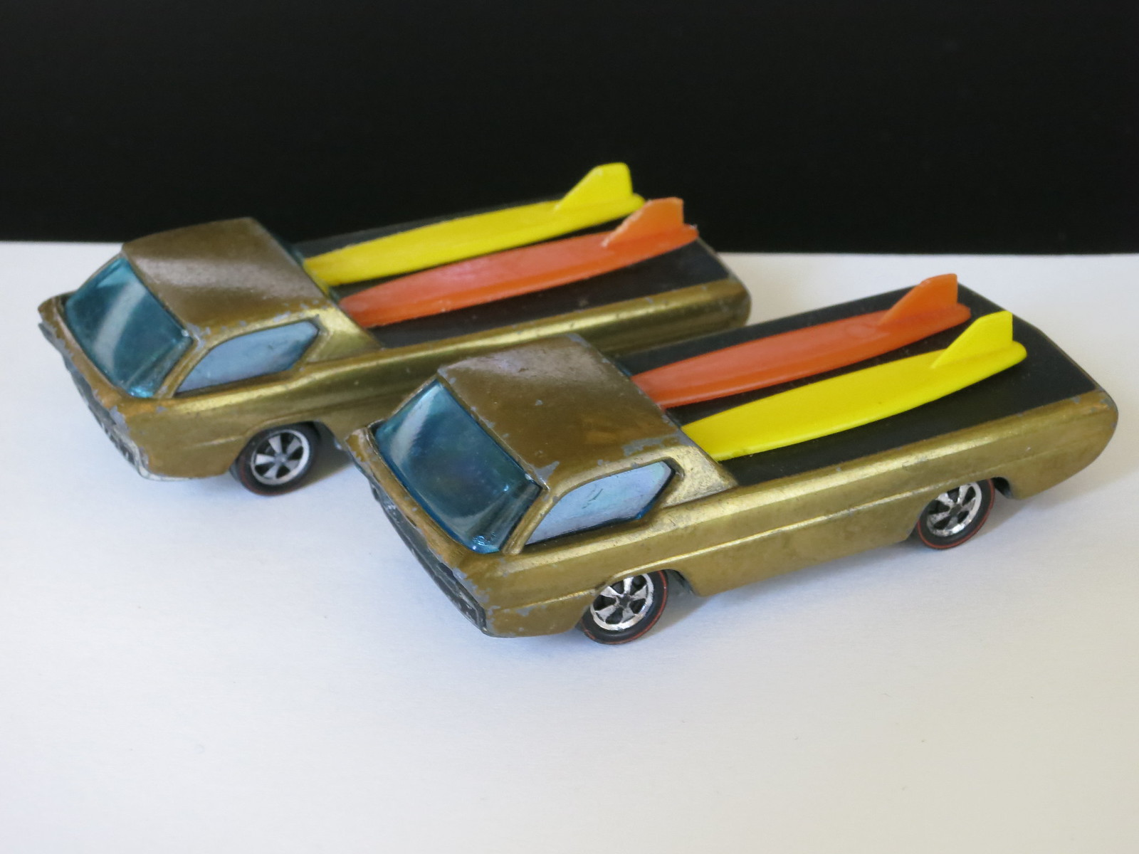Hot Wheels Redline Early Production Gold Deora HK Painted Base #2