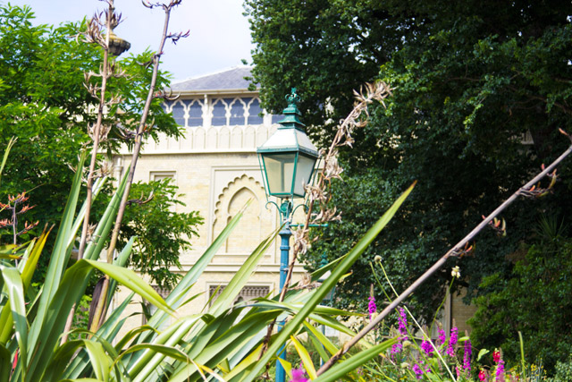 Visiting Brighton Royal Pavilion and gardens