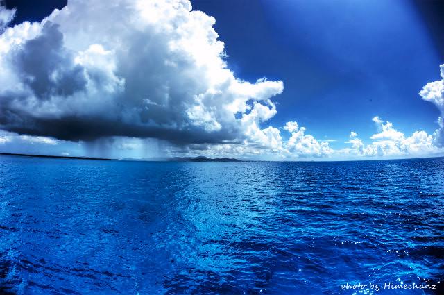 この季節はこのスコール雲の動きを読むのが一番の仕事w