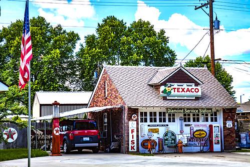 Faux-gas-station--Kennewick