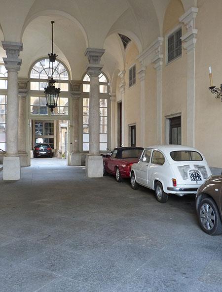 garage dans palais