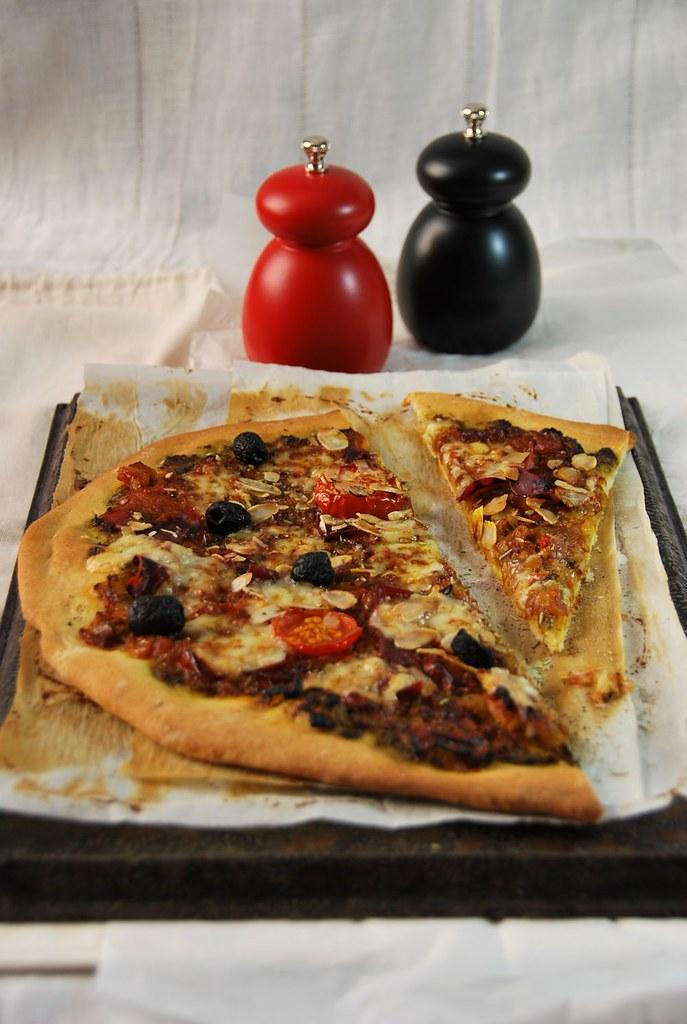 Pizza au pesto et fromage de brebis